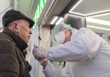 "Coronavirus, proposta Ferfarma: ""Tampone gratis a chi prenota vaccino"""