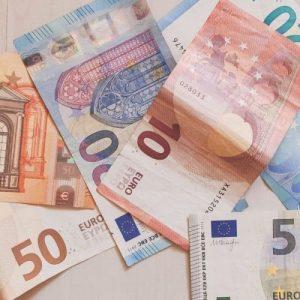 Soldi, soldi e ancora soldi!!