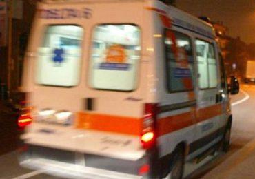 Tirano (Sondrio), assalto all'ambulanza: soccorritore coraggioso evita il peggio